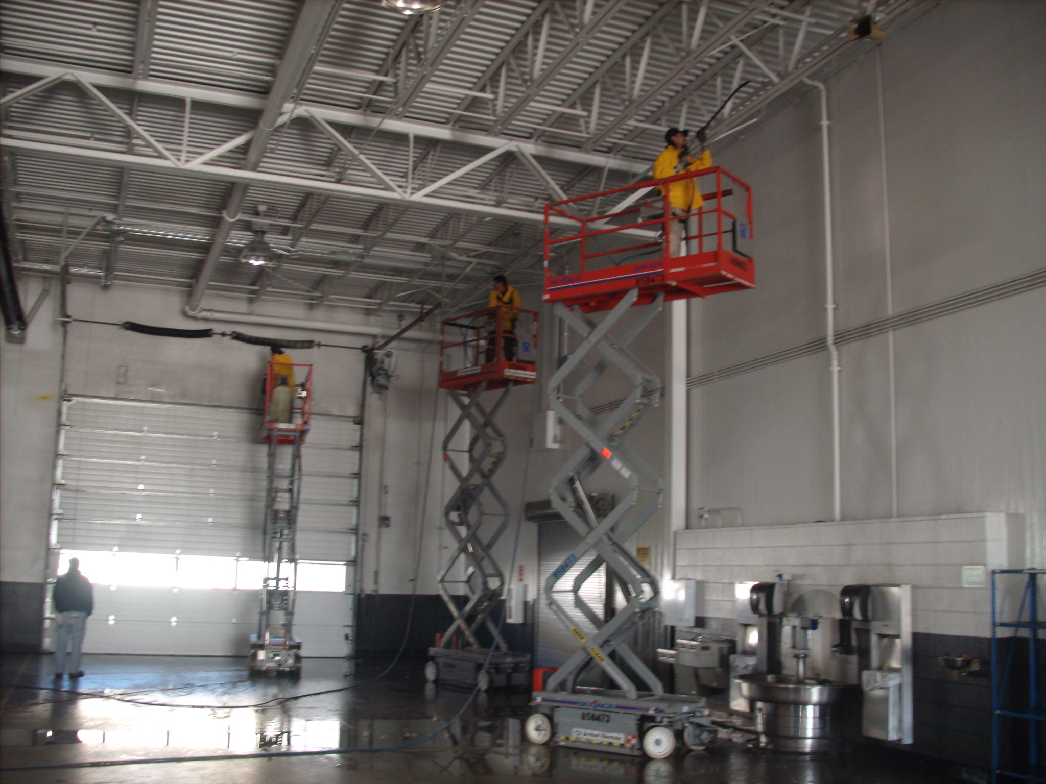 Pressure Washing The Interior Walls And Ceilings A Warehouse Or Can Be Complicated